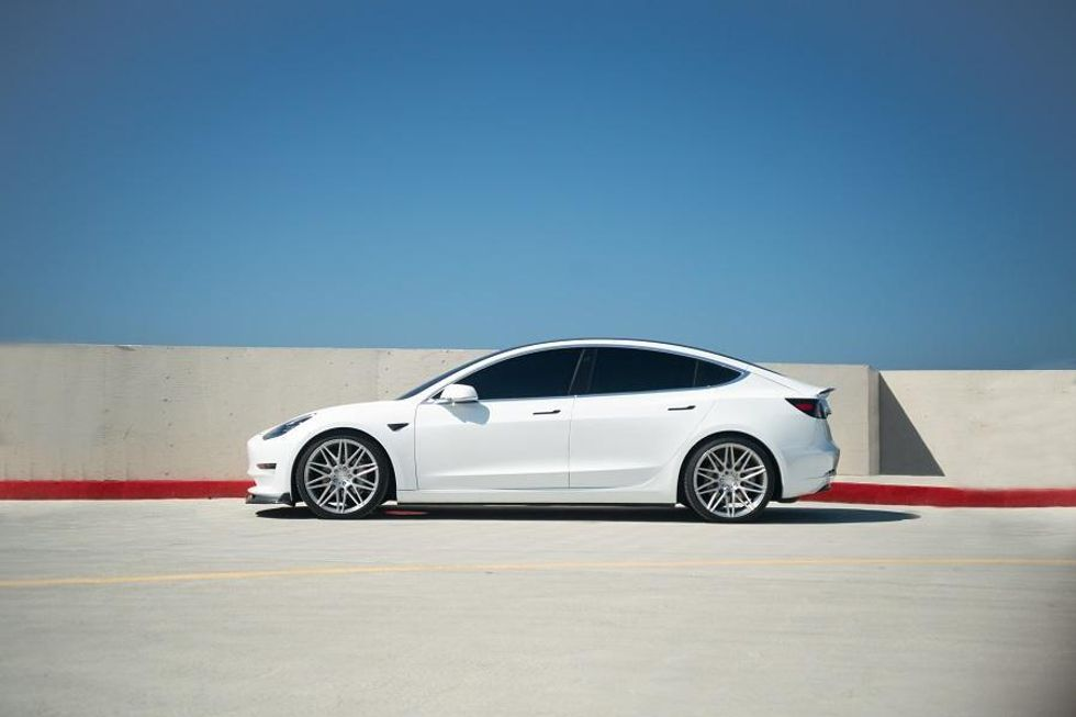 Higher prices for Tesla electric vehicle buyers in Israel
