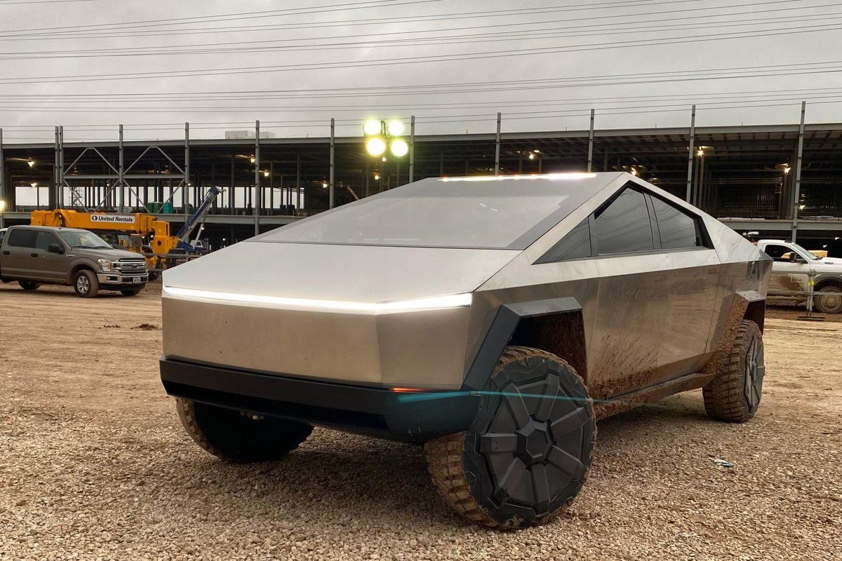 SPOTTED: Elon Musk pulls up to Giga Texas in Cybertruck