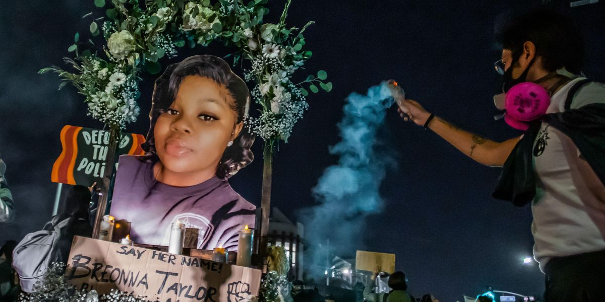 Simon & Schuster Won't Distribute Book by Officer Involved in Breonna Taylor's Killing