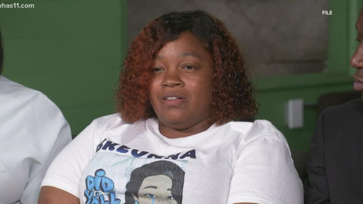 Mother of Breonna Taylor blasts Black Lives Matter chapter as 'fraud' that exploited daughter's death