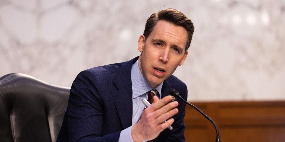 Hawley introduces bill to trust-bust Big Tech