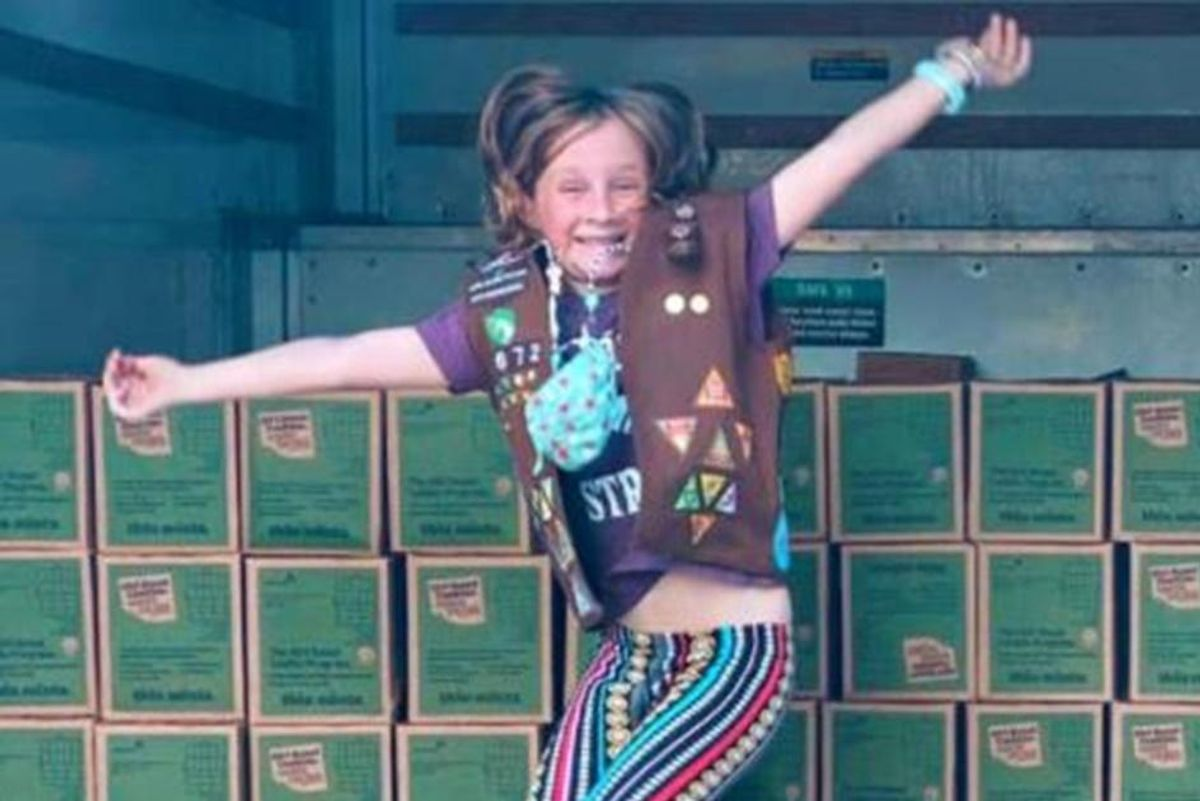 8-year-old cancer survivor breaks Girl Scout cookie record selling over 32,000 boxes