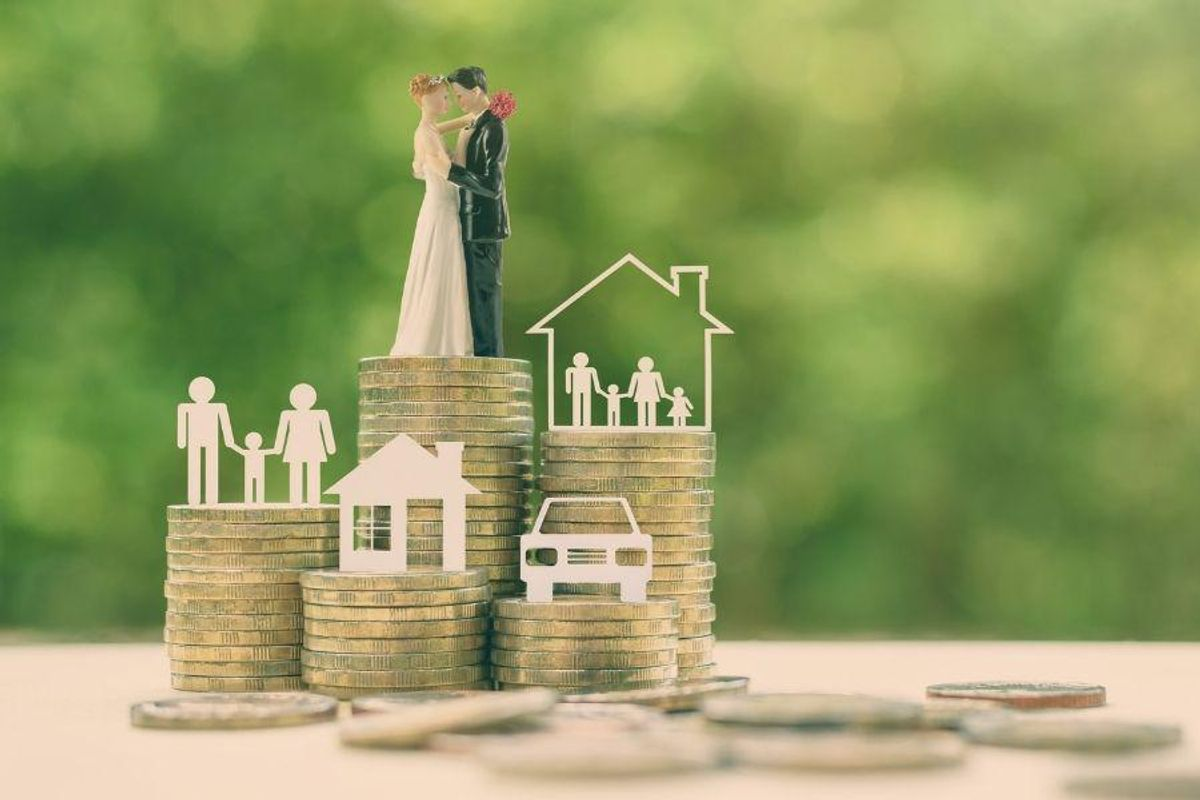 How to Manage Money Together As Newlyweds