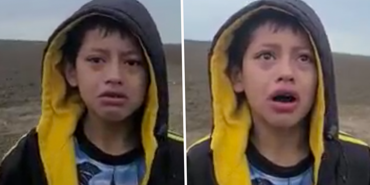 Heartbreaking Moment Abandoned Migrant Boy Approaches U.S. Border Patrol Officer for Help