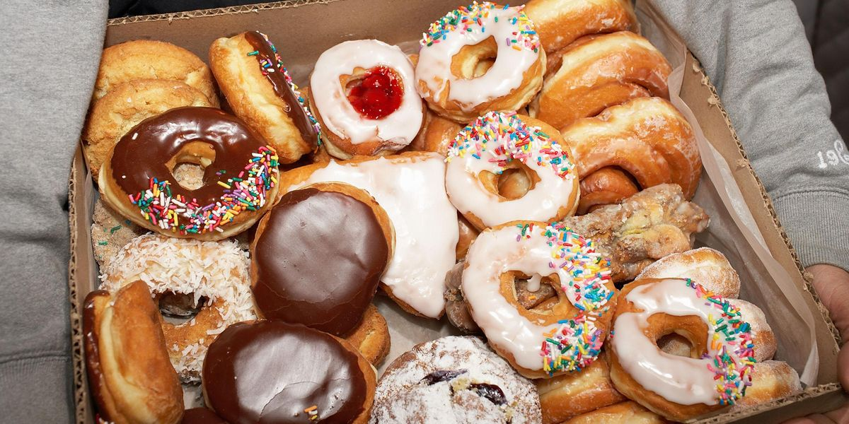 Bakery Wants To Know Who Could Eat Their 2lbs Doughnut