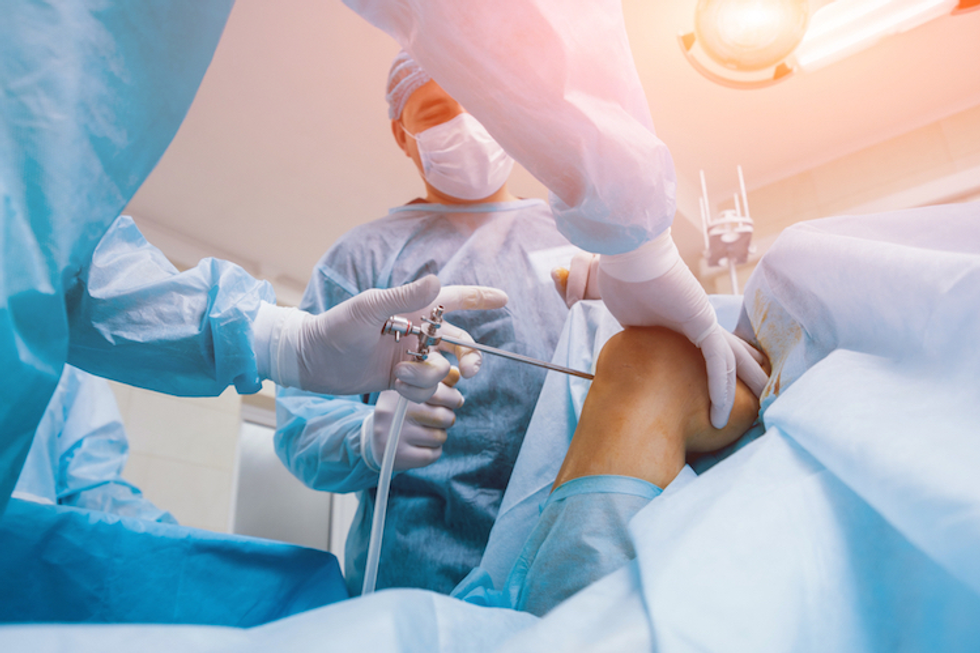 Role of knee replacement expert witness in knee surgery malpractice claims