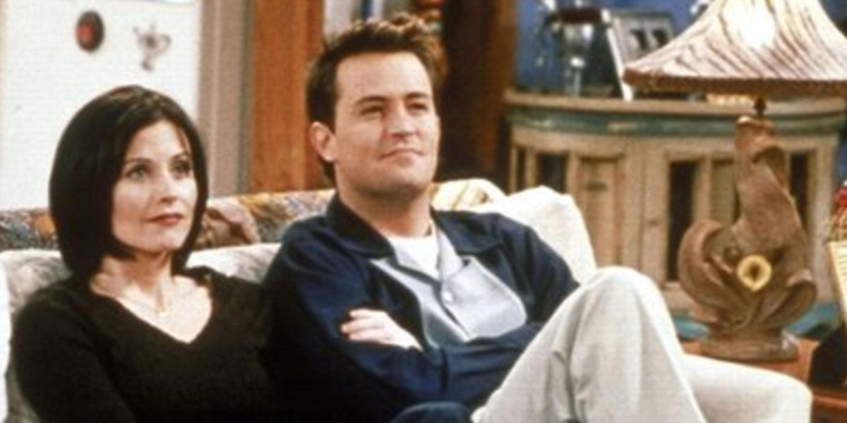Fans Concerned for Matthew Perry After Reunion Selfie