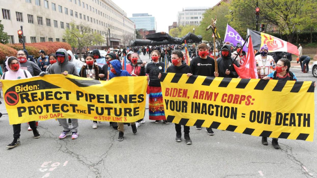 Biden Administration Lets DAPL Oil Continue to Flow Without Permit