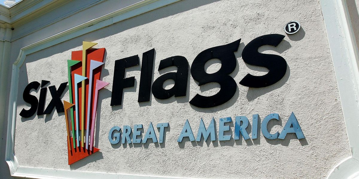 Autistic Mom Police Confronted Over 'Too Short' Shorts at Six Flags Says She Was Body-Shamed