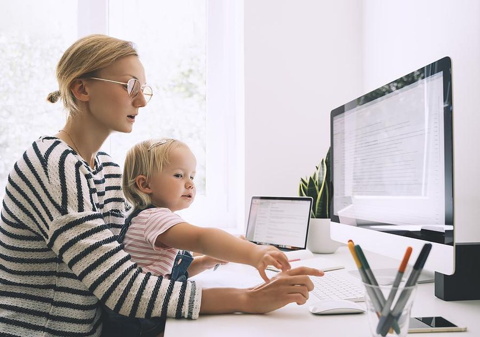 Working mom with a low-stress remote job
