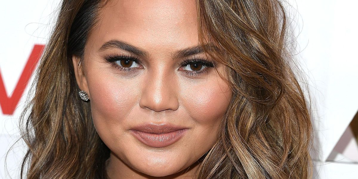 Chrissy Teigen Publicly Apologizes For Her Abuse of Courtney Stodden