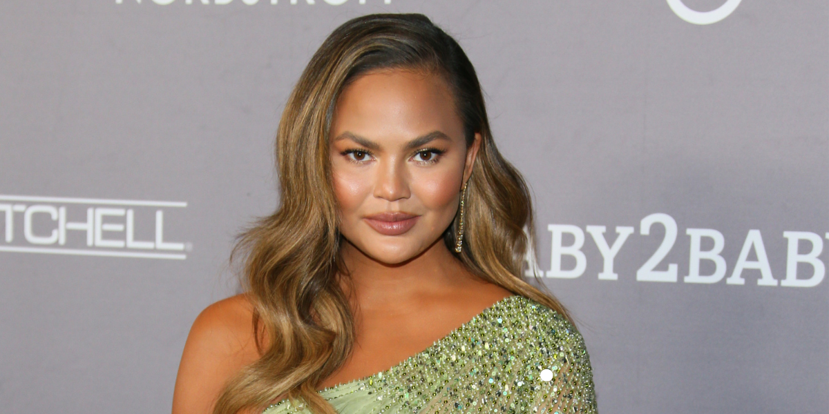 Chrissy Teigen Apologizes For Being An 'Attention-Seeking Troll' After She's Called Out For Past Cyberbullying