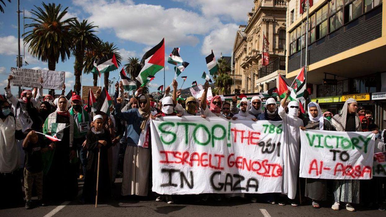 <div>Kenyans & South Africans Protest Israeli Bombing of Palestinians</div>