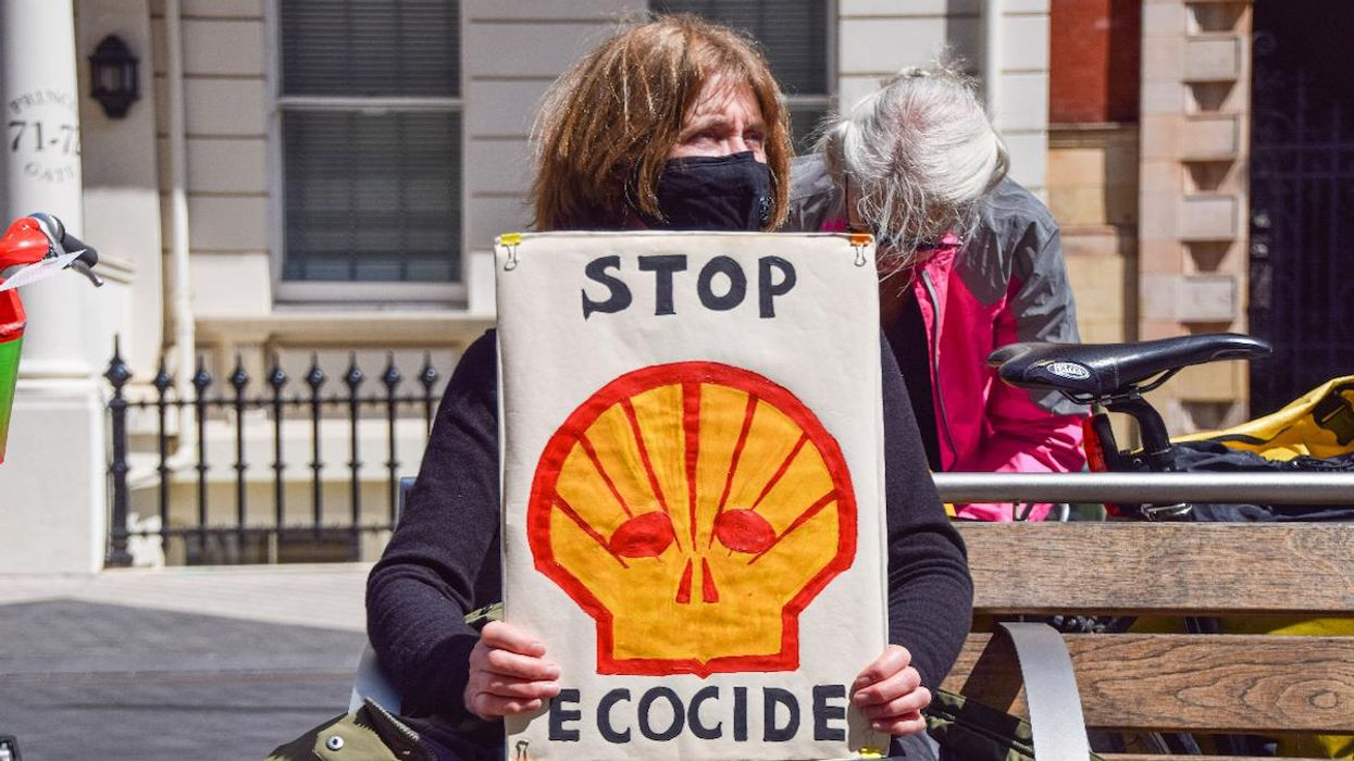 In Historic Ruling, Dutch Court Rules Shell Must Abide by Paris Agreement