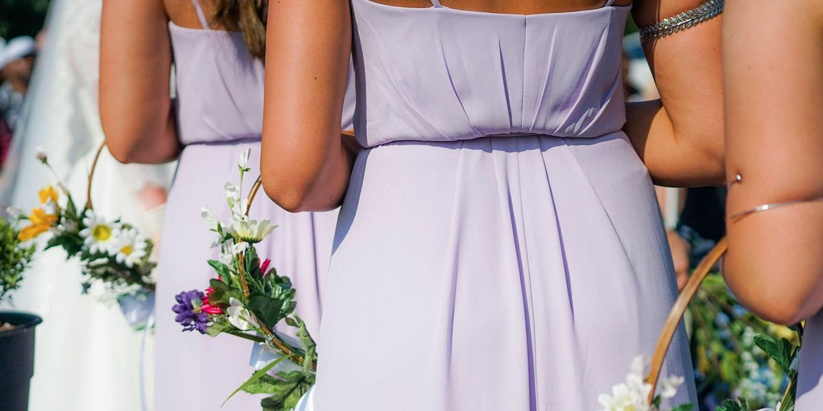 Bride Demands Her Bridesmaids Drop to a Size 8 To Fit Into Dresses