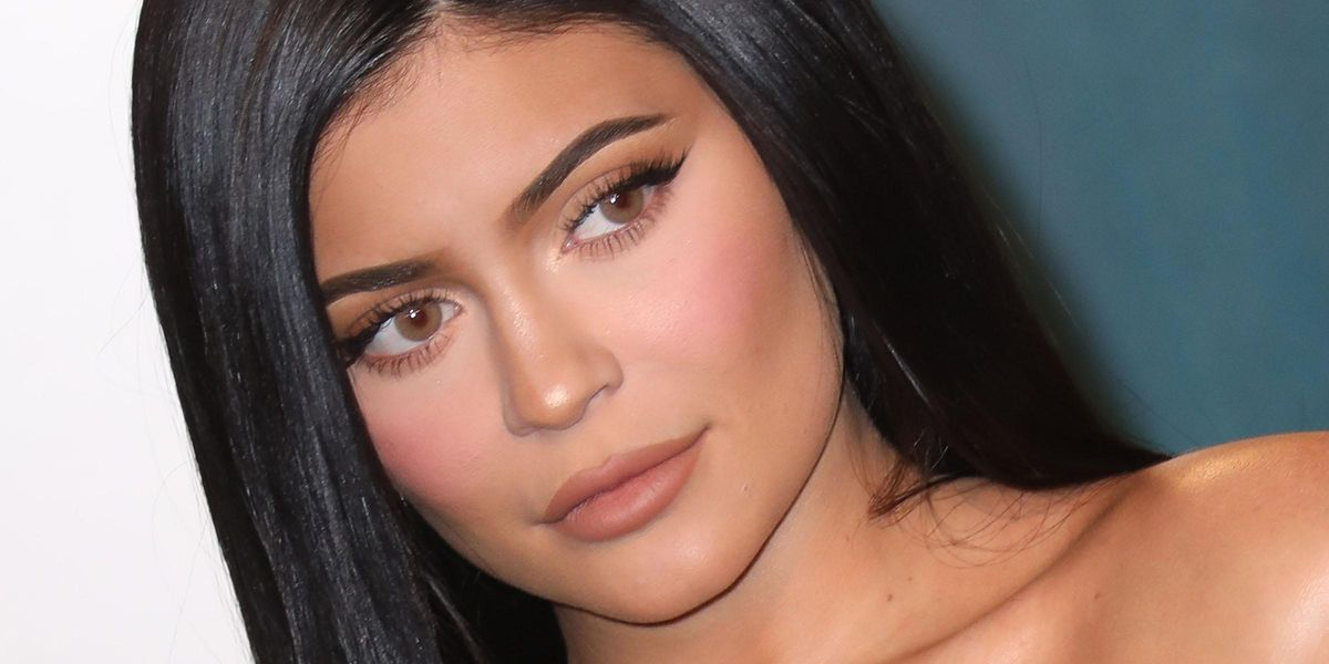 Fans Shocked as Kylie Jenner Appears Unrecognizable In Flashback Bora Bora Scene With Kim
