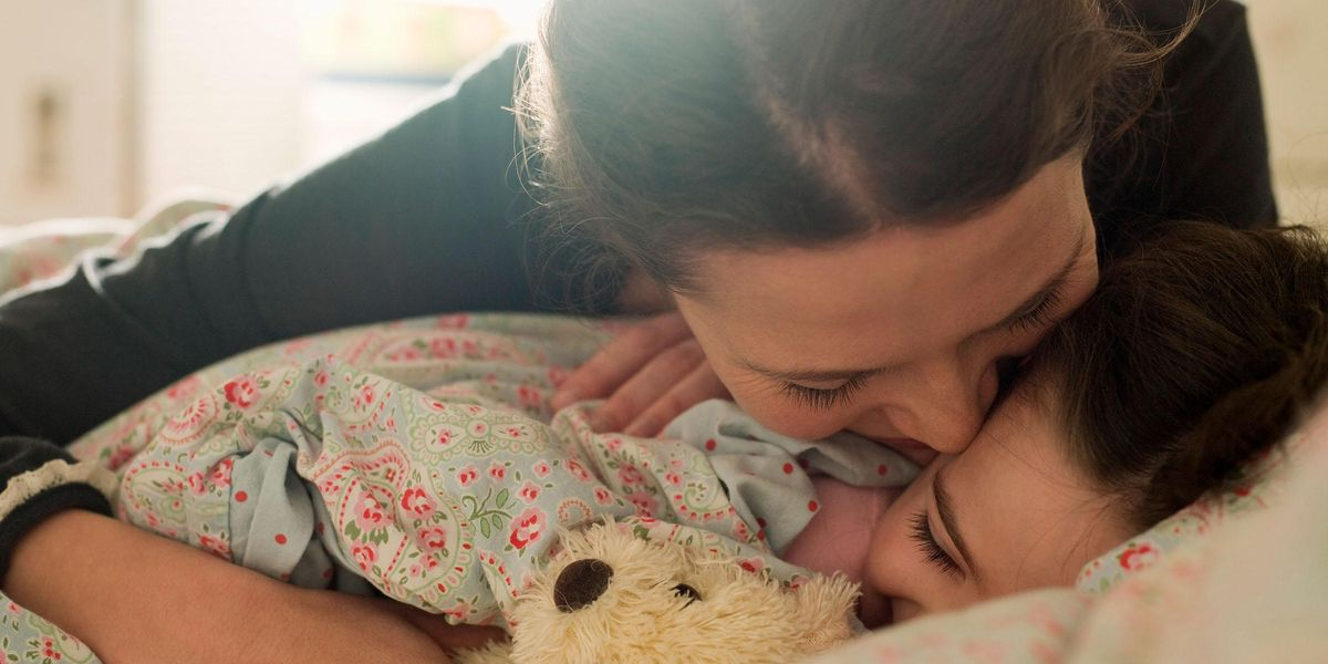 Mom Slammed for Repeatedly Kissing Her Daughter on the Lips