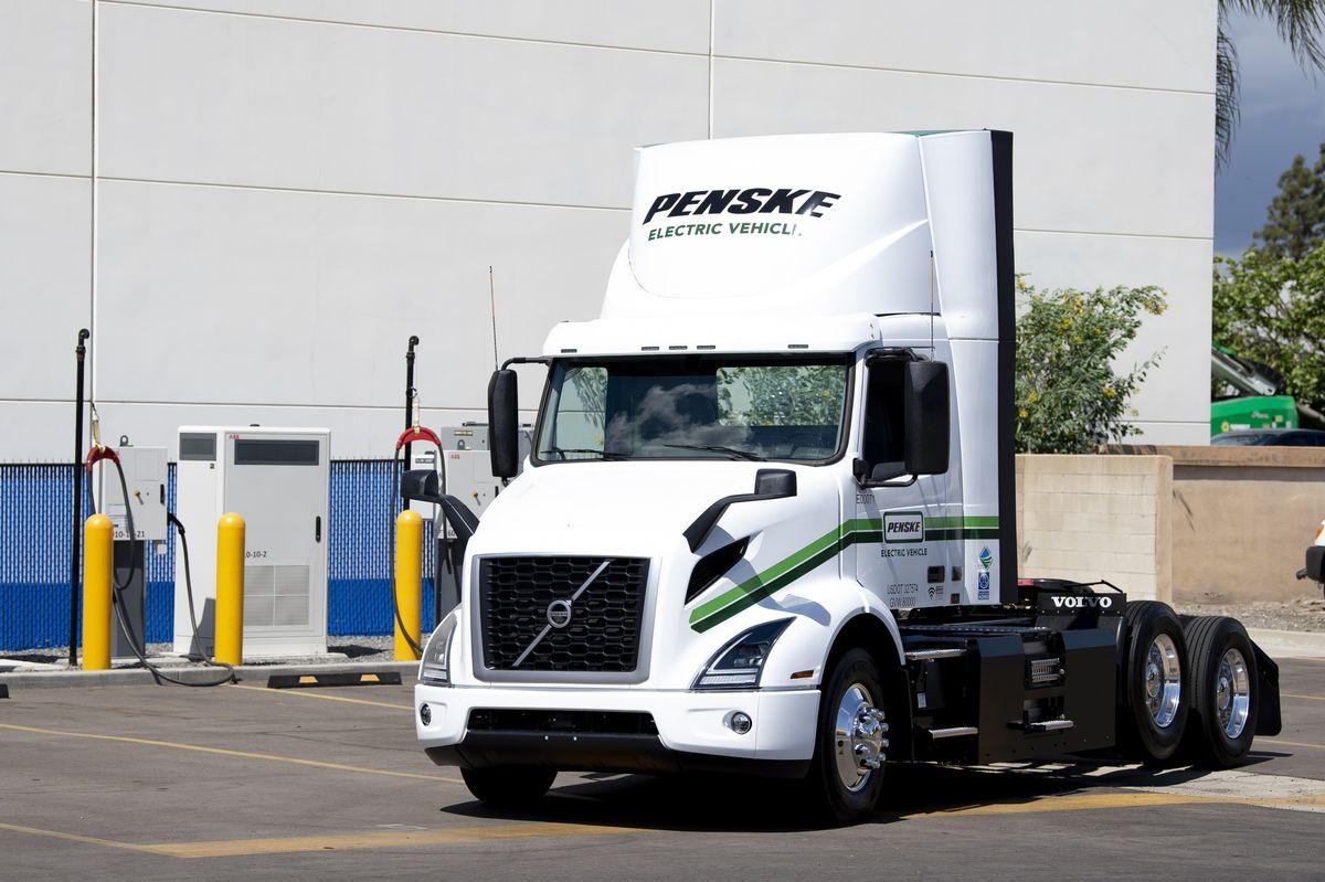 Penske Truck