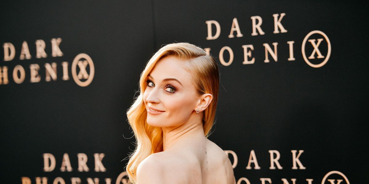 Fans Think Sophie Turner Just Came Out