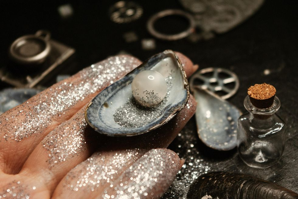 Poetry On Narrative: Diamonds And Pearls