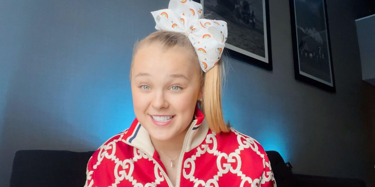 JoJo Siwa: Telling Mom About Ditching Bows Was 'Harder' Than Coming Out