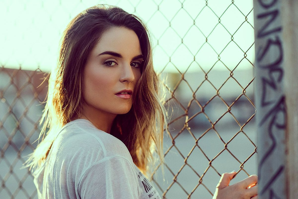 """""""I'm Grown Now"""": JoJo On Her Comeback, Avoiding the Tabloids and That """"Fake"""" Cribs House"""
