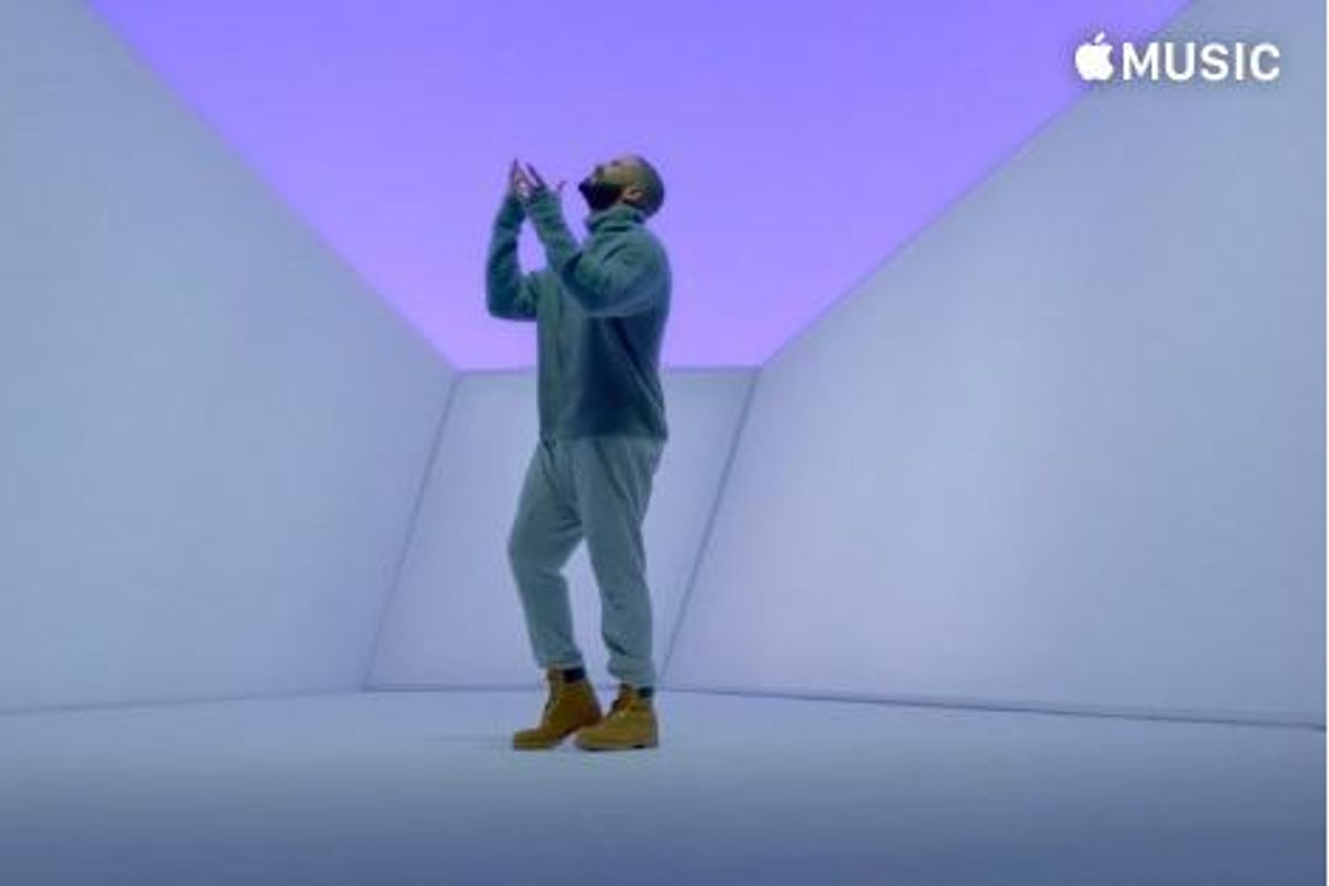 "Drake Drops His New Video for ""Hotline Bling,"" Wears Turtleneck"