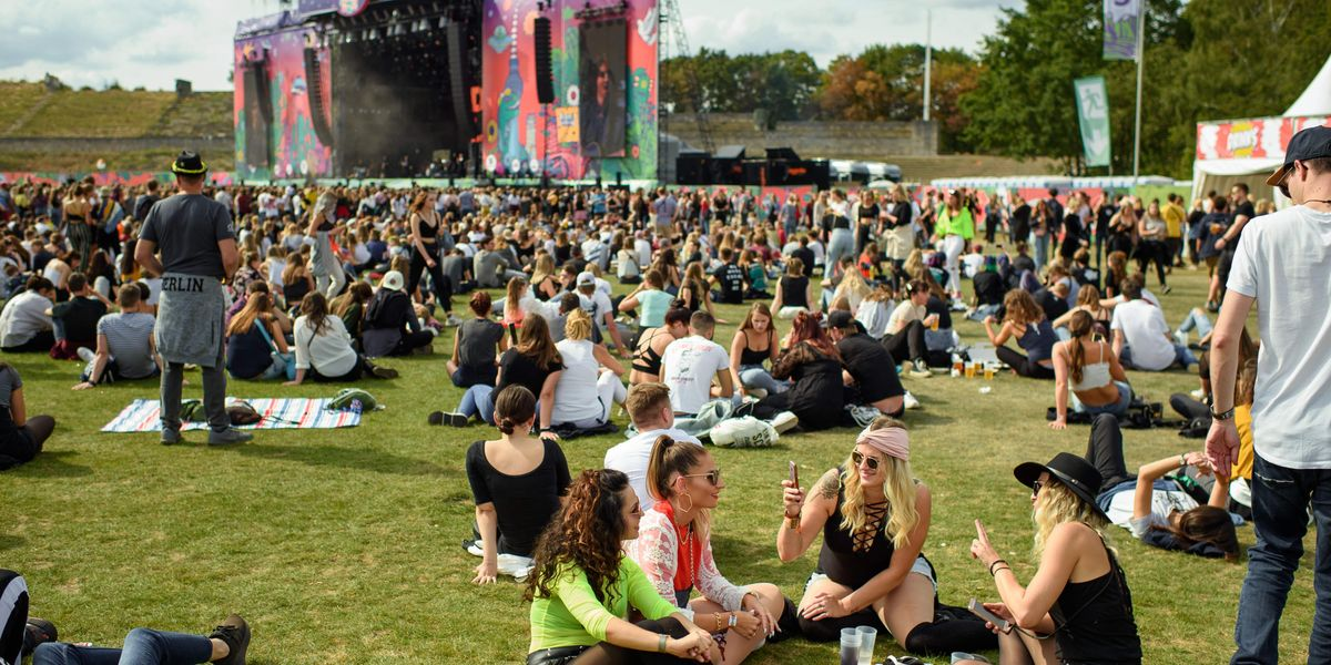 Chicago Gives Lollapalooza Tickets as Vaccine Incentives