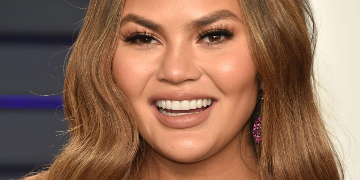 Chrissy Teigen Issues Long Apology Amid Bullying Controversy