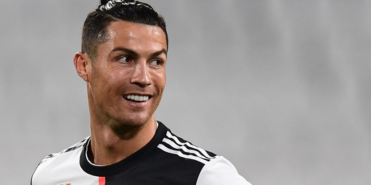 Cristiano Ronaldo Furiously Removes Coca-Cola Bottles and Replaces Them With Water During Press Conference
