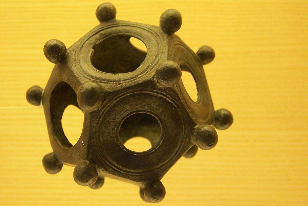Mysterious dodecahedrons of the Roman Empire