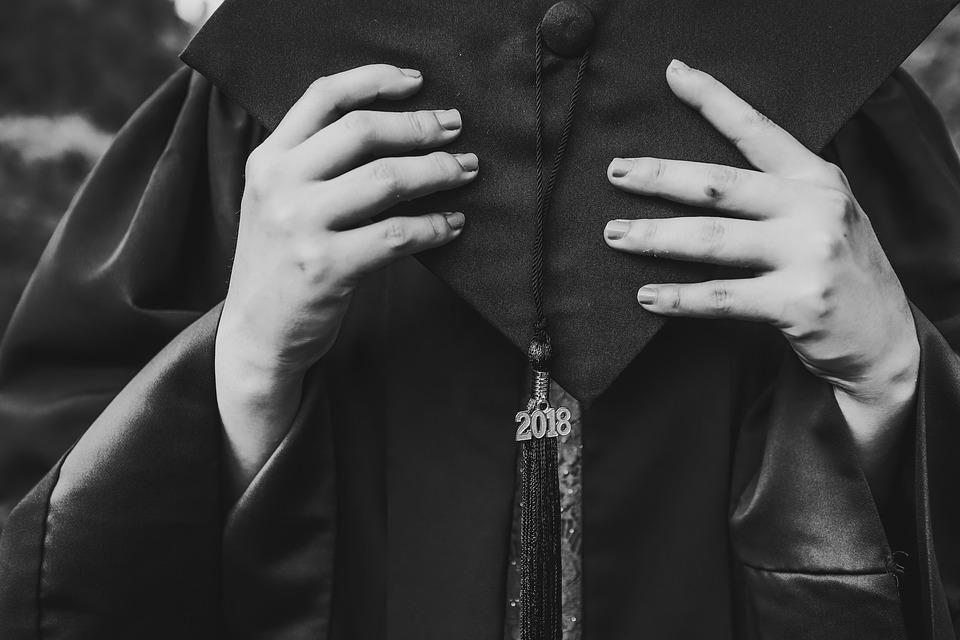 https://www.maxpixel.net/Finish-Gown-Senior-Students-Dress-Graduation-4087905