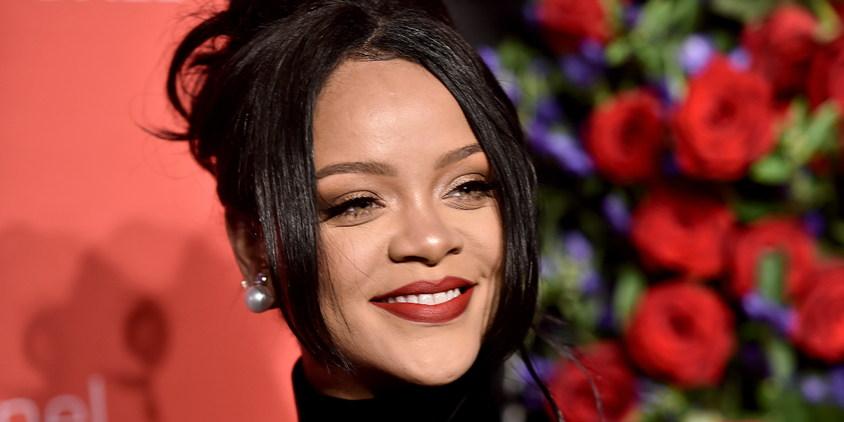 Bouncer Refuses to Let Rihanna Into Bar Because She Has No ID