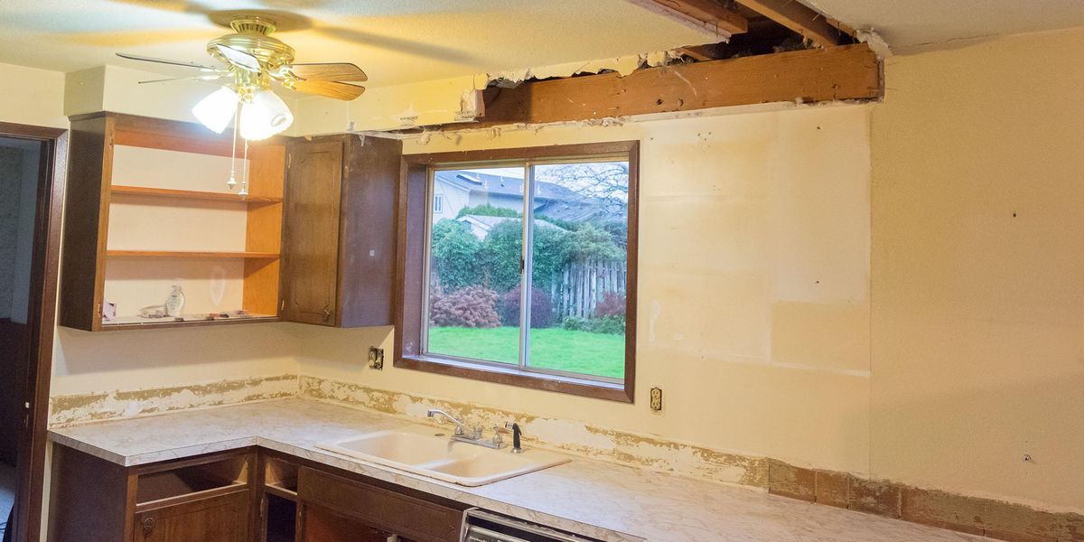 Mom Left Furious as New Owners Start Tearing up Home While They're Moving Out