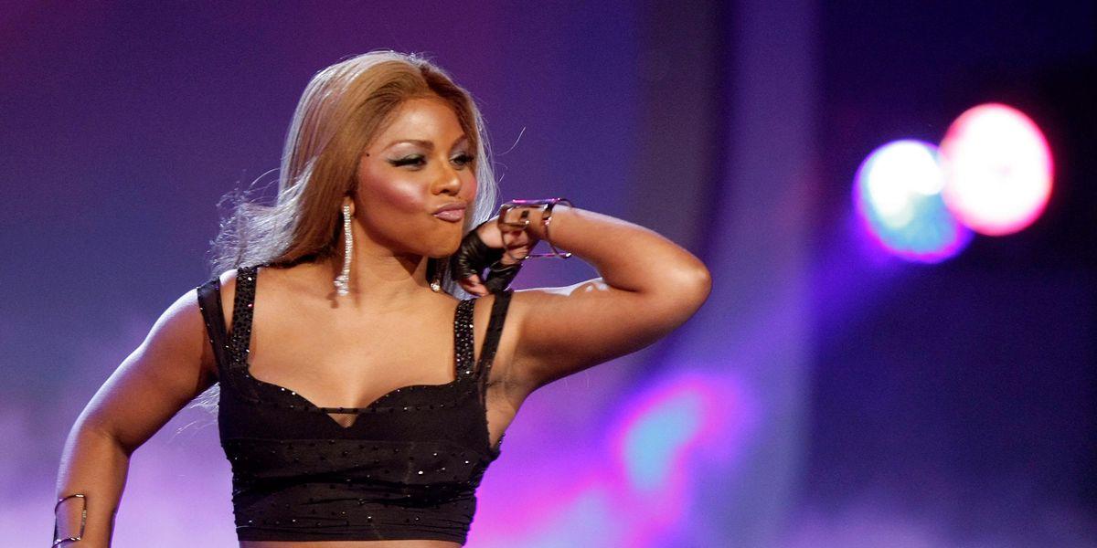 Lil' Kim Challenges Nicki Minaj to a 'Verzuz' Match