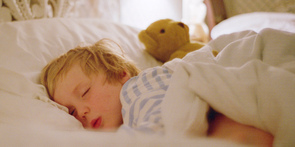 Sleep Expert Shares How To Put Kids to Sleep At 5.30 pm and Get Them to Sleep All Night