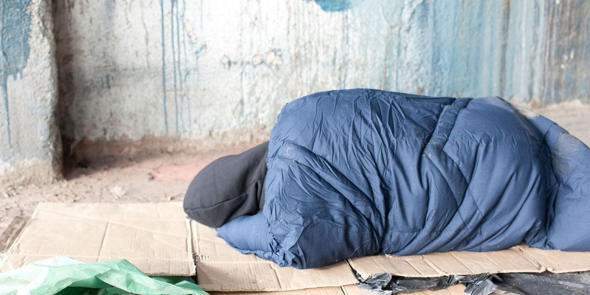 Homeless Father of 5 Says He Can't Find a Shelter That Takes Men With Kids