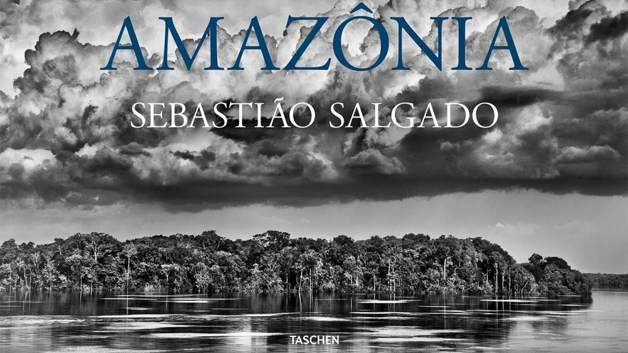 The book Amazônia shows the Amazon and its Indigenous inhabitants.