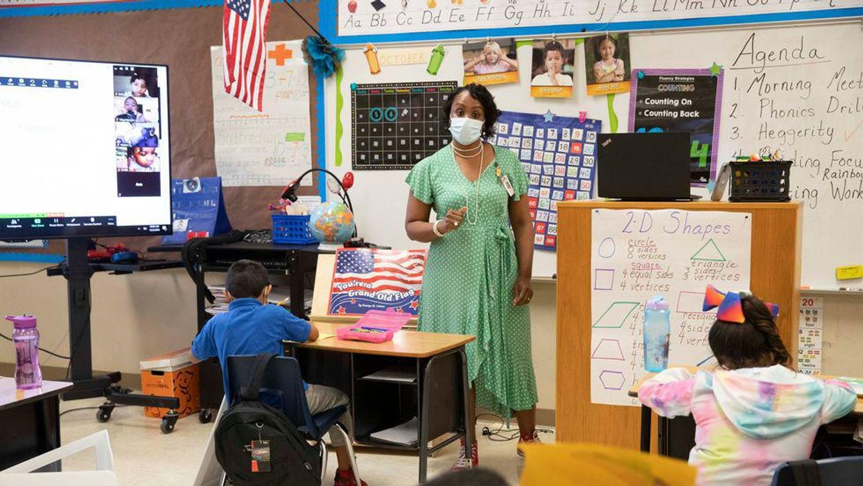 Texas House Democrats ask Gov. Abbott to allow schools to offer virtual learning, mandate masks