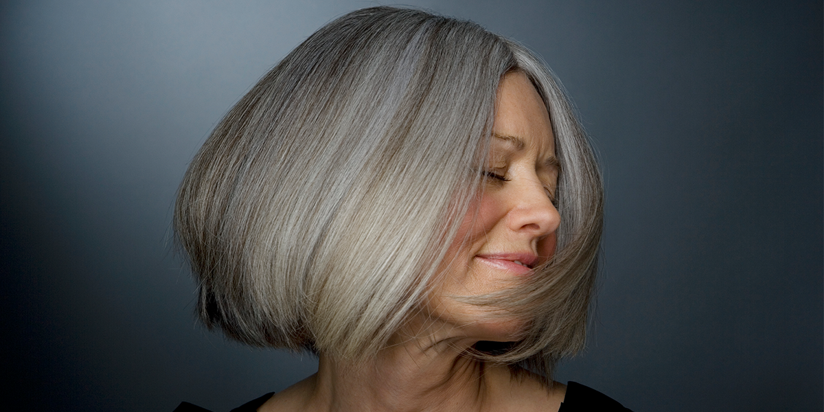 Young Woman Who Turned Gray by Age 25 Has Never Felt More Confident