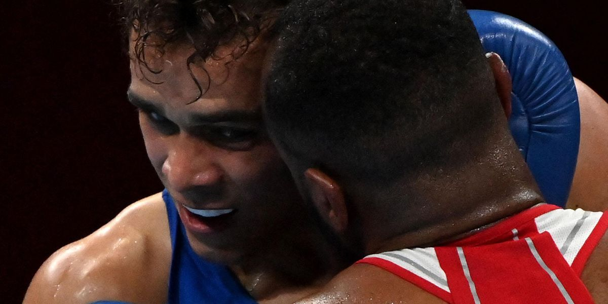 Olympic Boxer Disqualified for Attempting To Bite Opponent's Ear