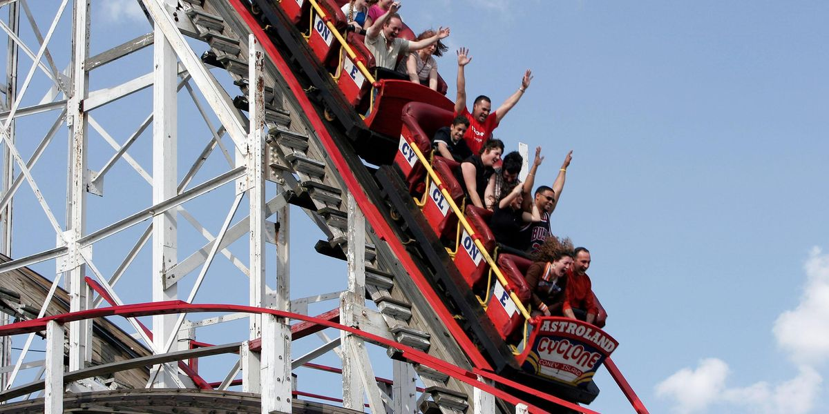 Seagull Smacks Into Screaming Teenager's Face On 75mph Slingshot Ride