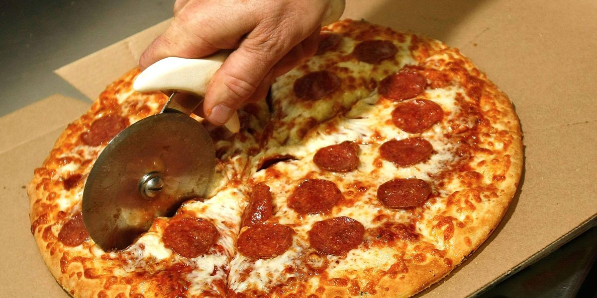 Customer Sparks Furious Debate After Tipping Delivery Driver With a Slice of Pizza