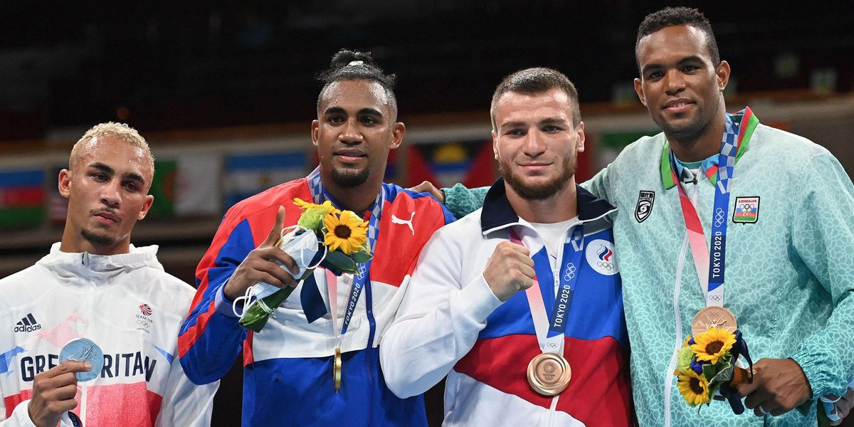 An Olympic Boxer Was So Upset He Won Silver He Refused To Wear His Medal and Cried on the Podium