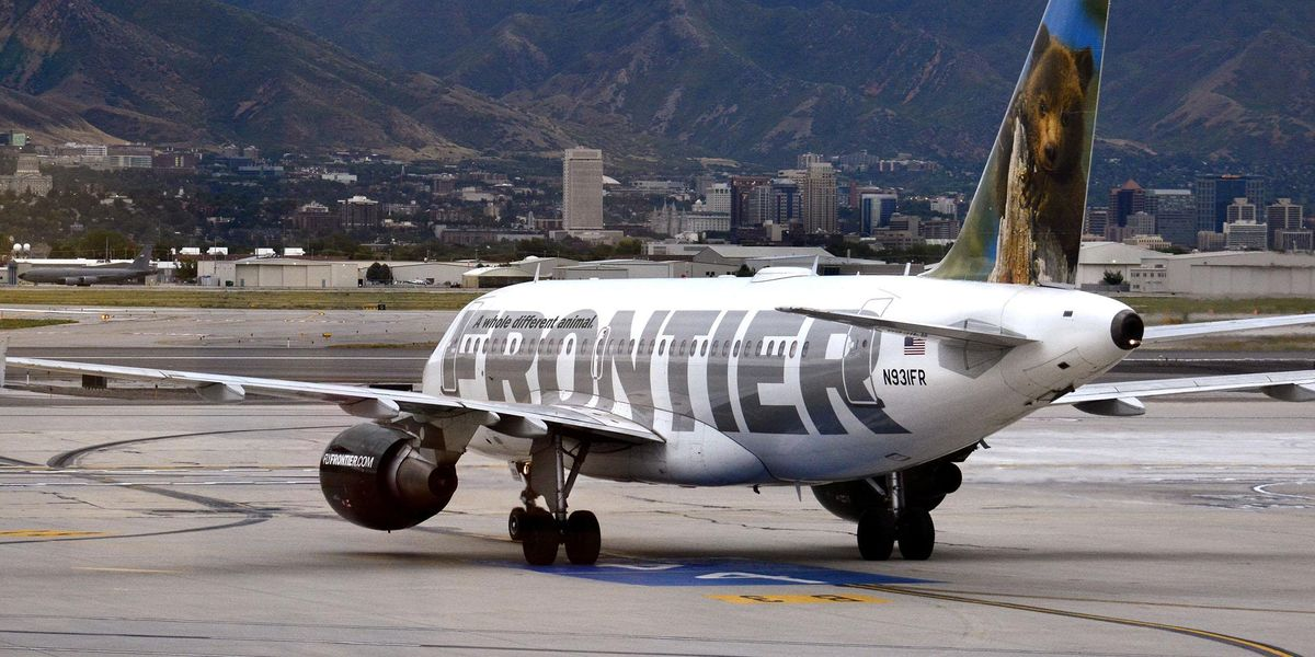 Duct-Taped Plane Passenger Screamed His 'Parents Are Worth $2 Million