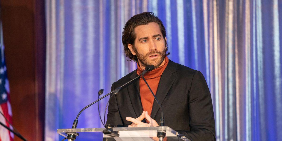 Jake Gyllenhaal Says Bathing Regularly Is Unnecessary