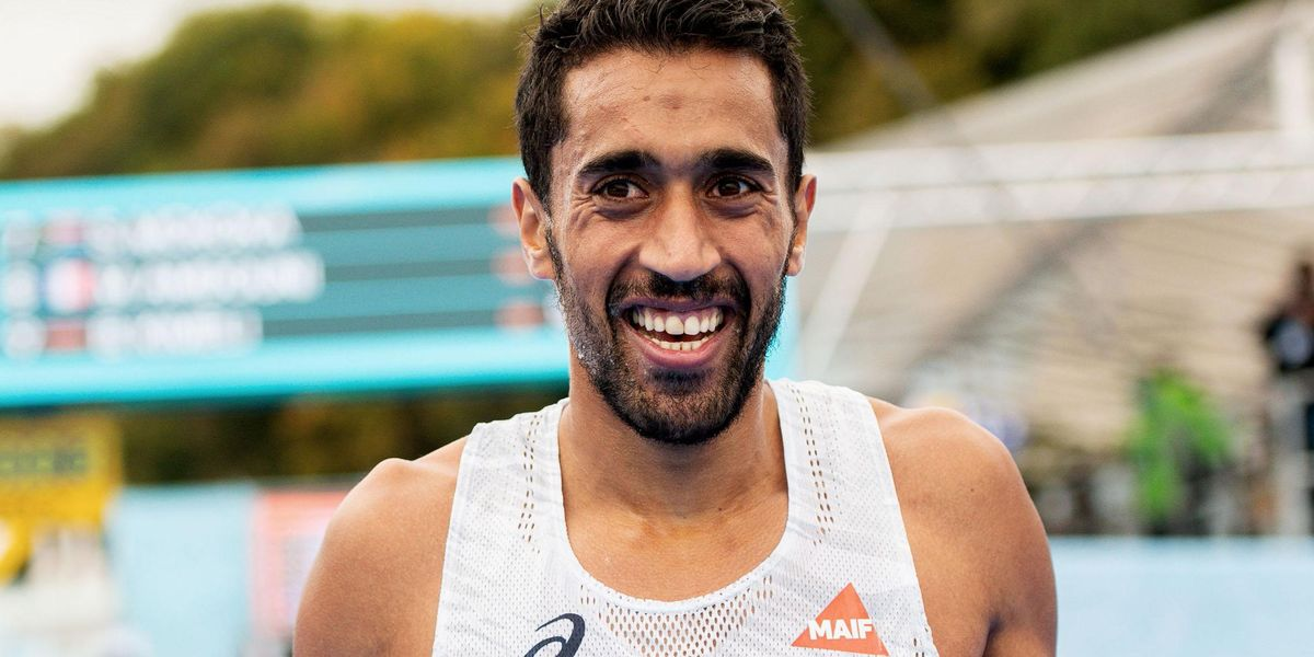 French Marathon Runner 'Deliberately Knocks Over All the Water So Competitors Can't Have Any'