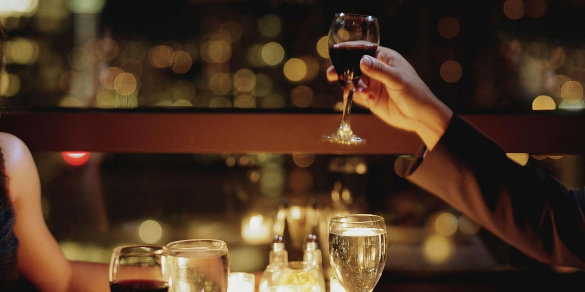 Man Ditches His Date and Lets Her Pay the Bill After Seeing Her Instagram Post