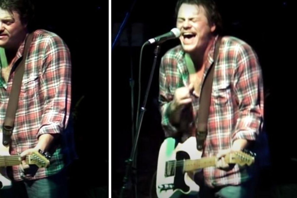 Best cover ever? Guy sings Whitney Houston's 'I Will Always Love You' to stunned crowd
