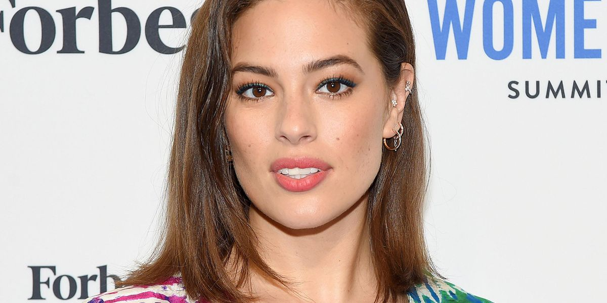 Ashley Graham Shows off Her Growing Baby Bump in Adorable Photo